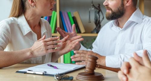 離婚でもめる夫婦